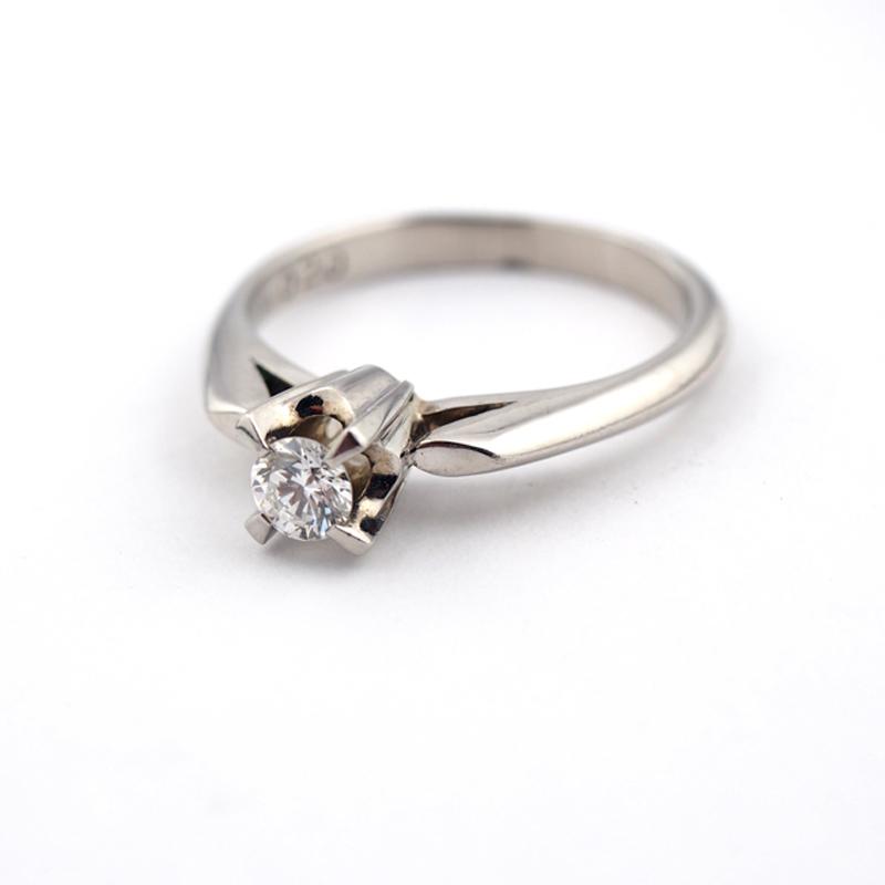 静岡きたがわ宝石のジュエリー修理 ダイヤモンドの立爪リング