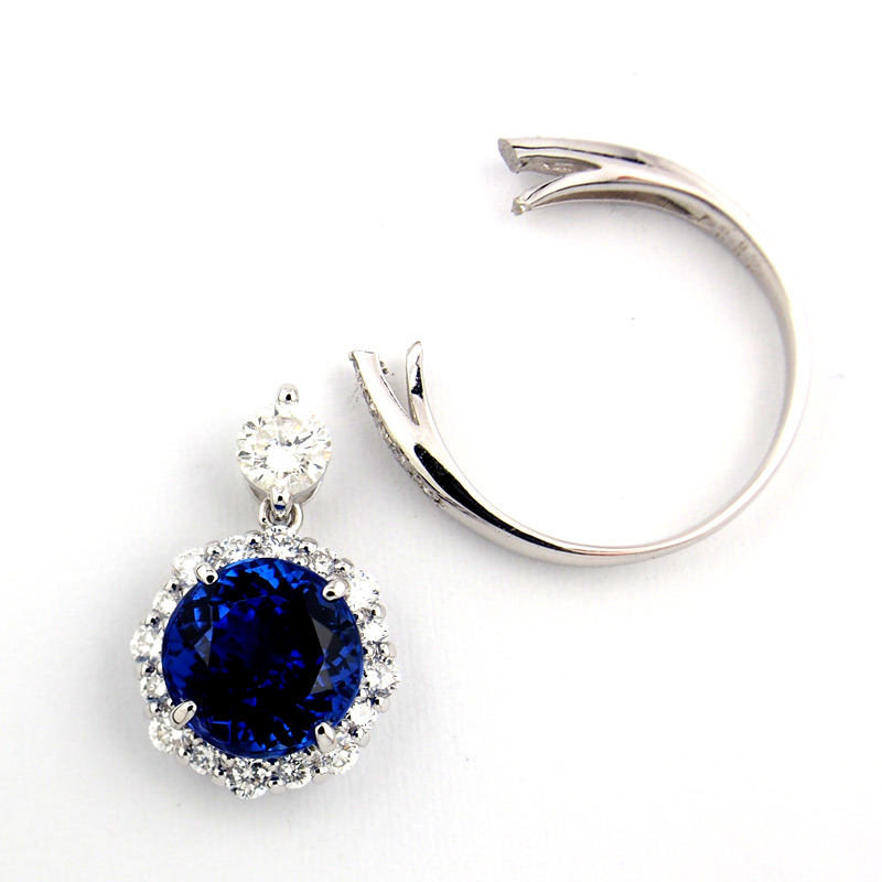 静岡きたがわ宝石のジュエリーリフォーム タンザナイトの指輪からペンダントへ