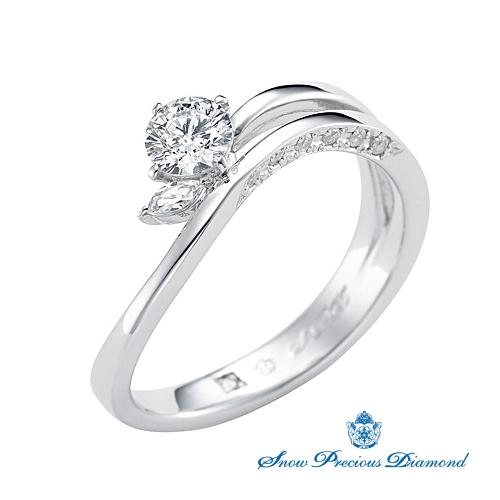 スノープレシャスダイヤモンドの婚約指輪