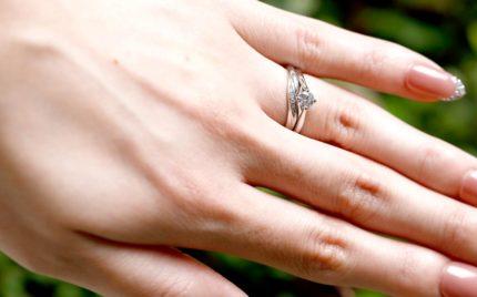 ダイヤモンドを大きく見せる婚約指輪