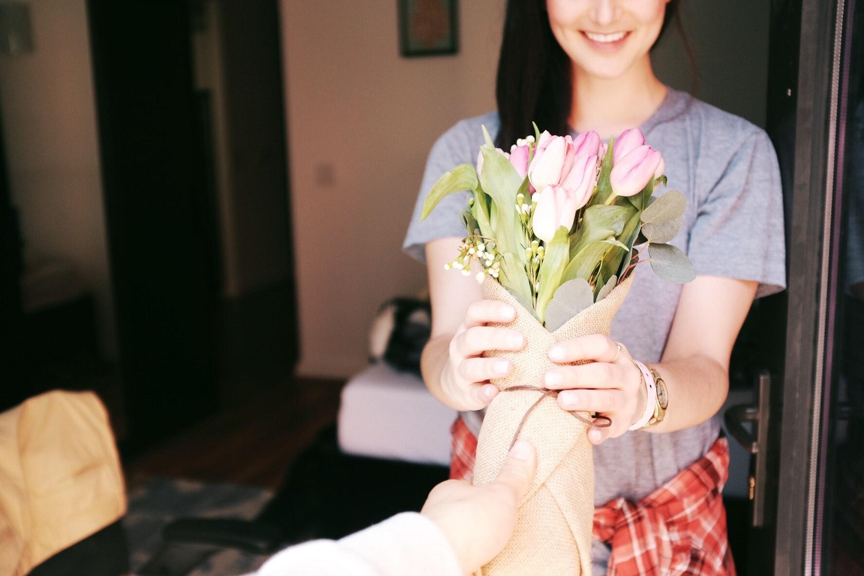 プロポーズに指輪は必須?女性が喜ぶプレゼントとは?静岡KITAGAWA Bridal