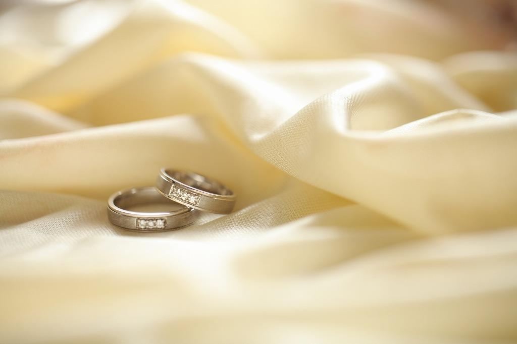 人気の高い結婚指輪の形は?愛用できる結婚指輪の選び方
