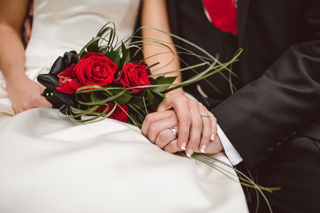 結婚指輪はいつ買う?購入のタイミングを解説【静岡市】