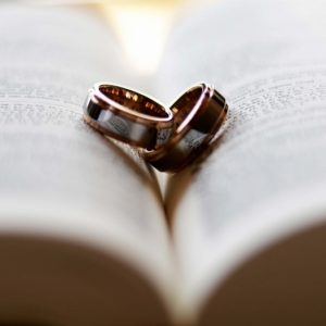 結婚指輪の買い替えはOK?ふさわしい時期と理由とは?