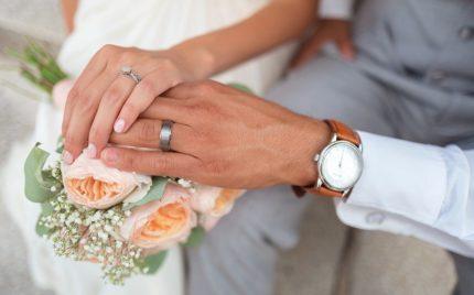 婚約指輪を結婚式でつけるのはあり?なし?