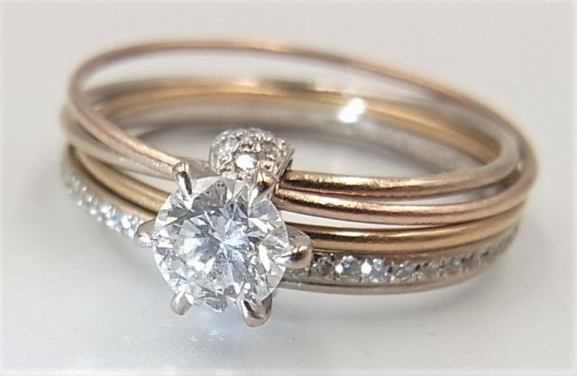 職場に婚約指輪をつけていくのは有り?無し?