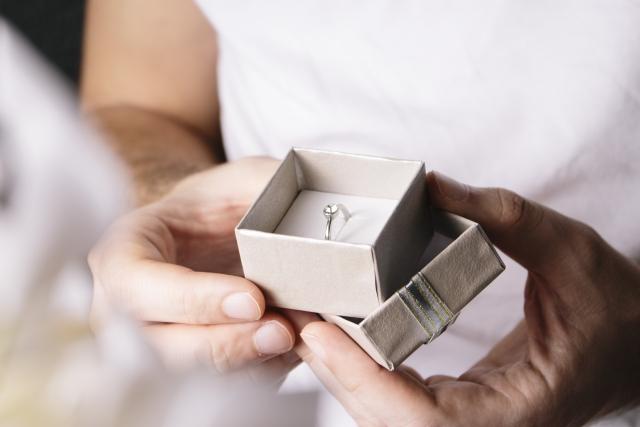 やっぱり二人で選びたい!結婚指輪・婚約指輪のレンタル活用法
