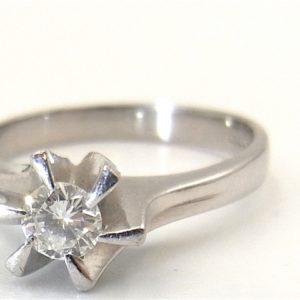 大切な指輪眠らせてない? 結婚指輪・婚約指輪を蘇らせる方法とは