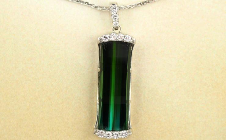 トルマリンとダイヤモンドのペンダントネックレス