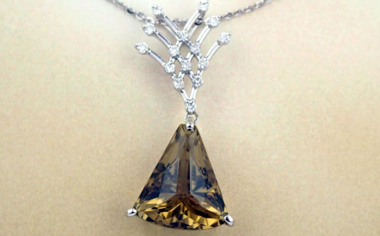 レモンクォーツとダイヤモンドのペンダントネックレス