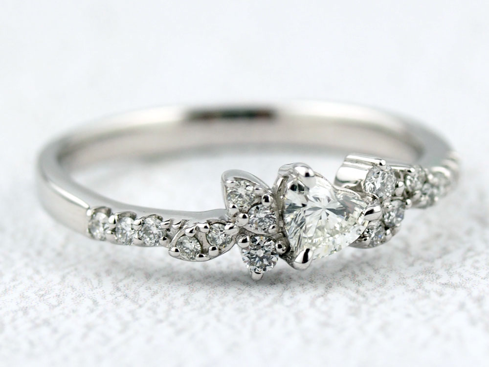 ダイヤモンドの指輪