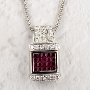ルビーとダイヤモンドのペンダントネックレス