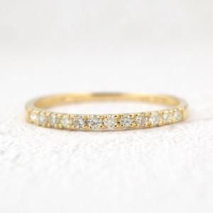 ダイヤモンドのハーフエタニティリング