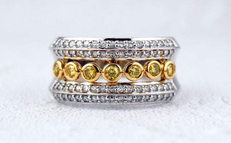 イエローダイヤモンドの指輪