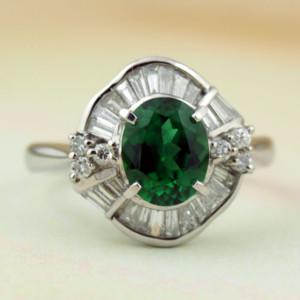 クロムトルマリンとダイヤモンドの指輪