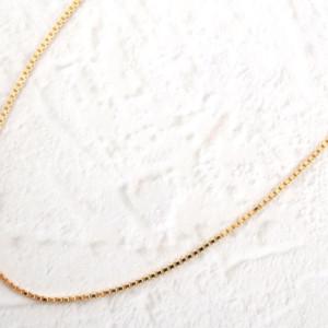 ゴールドのネックレス