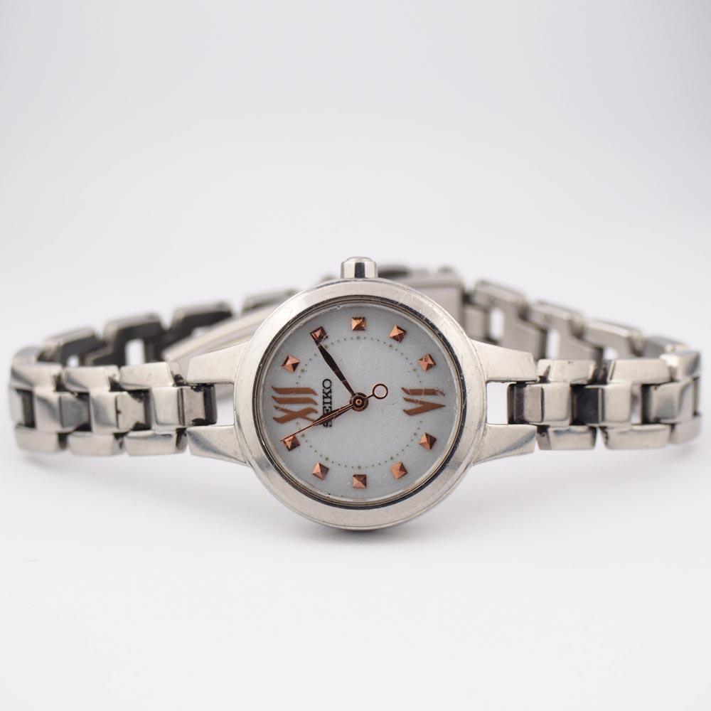 seiko腕時計の二次電池の交換